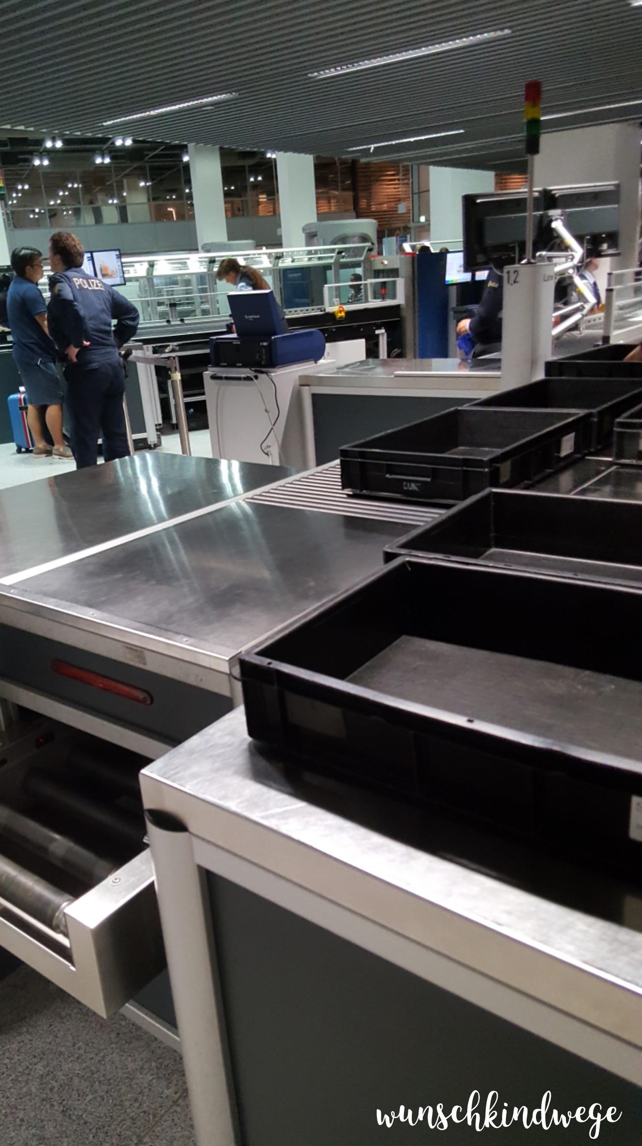 Florida mit Kindern: Security Düsseldorf Flughafen
