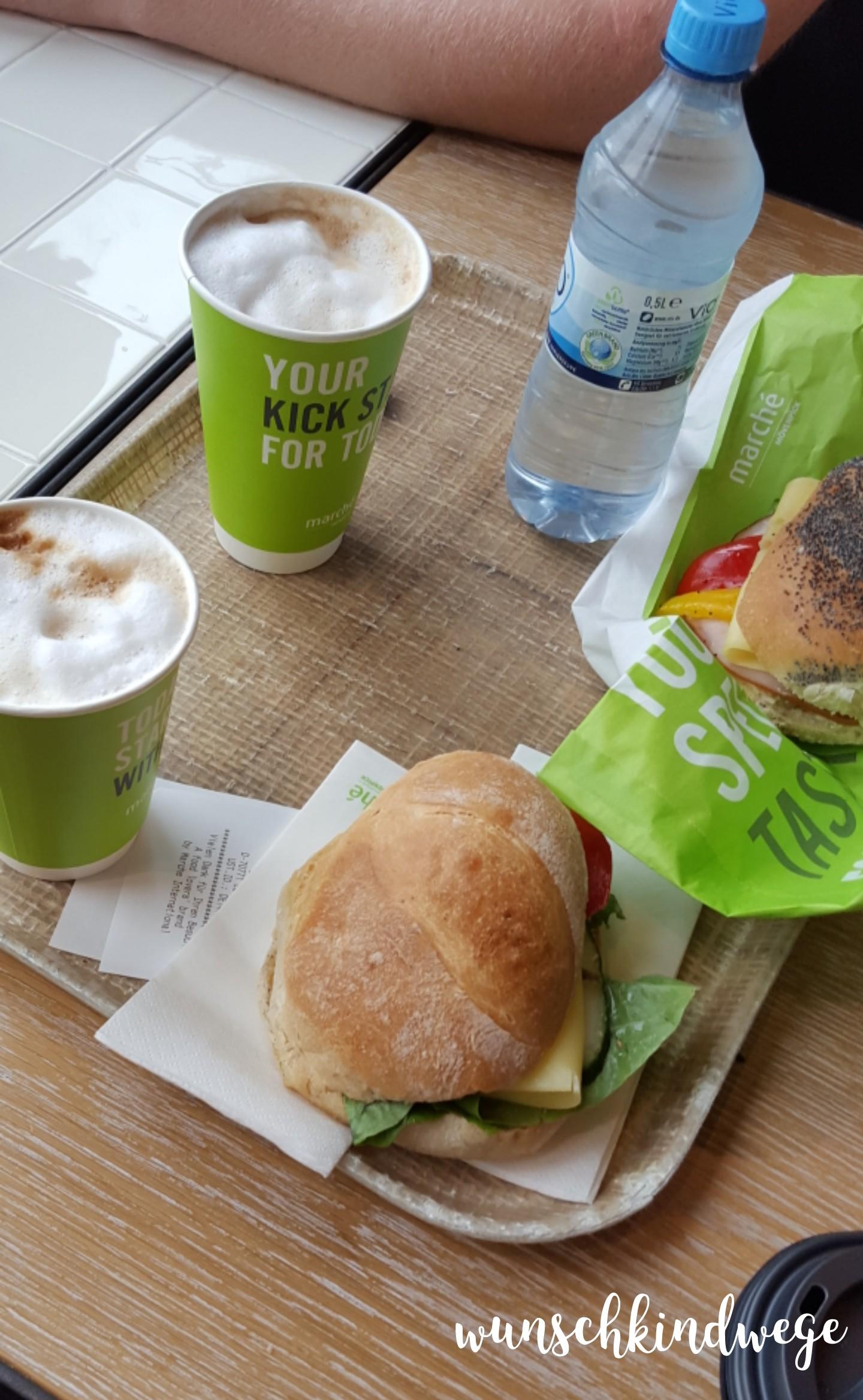 Florida mit Kindern: Frühstück Flughafen