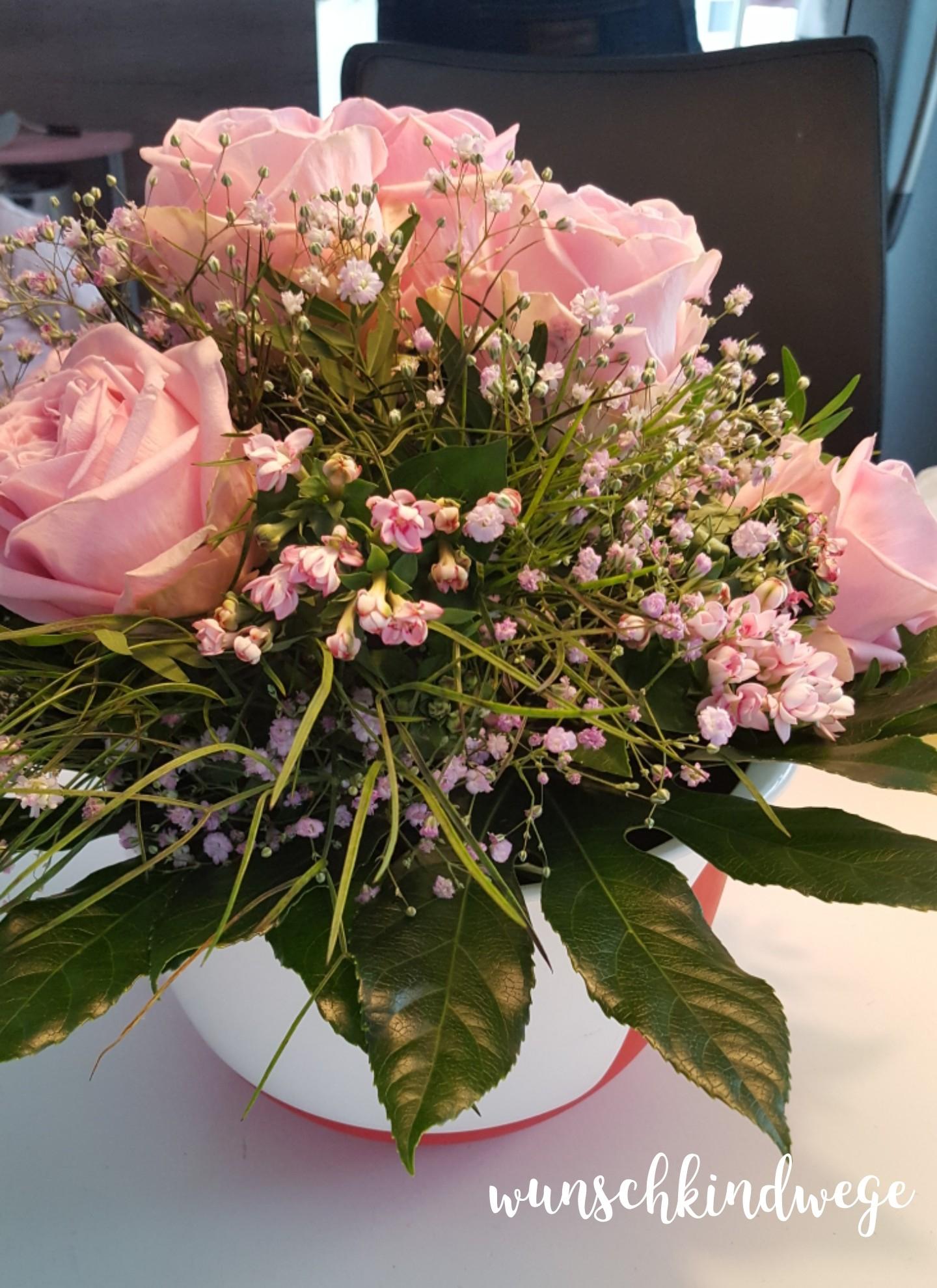 Blumenstrauss rosa Rosen