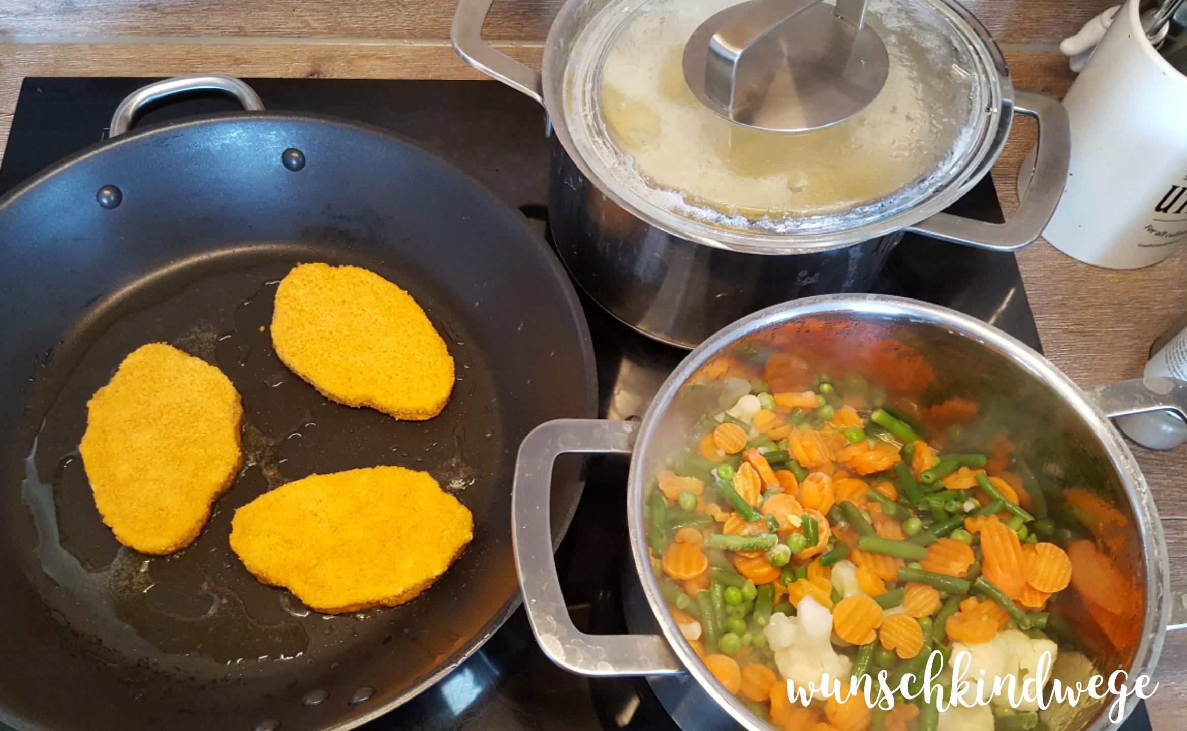 Abendessen kochen, Schnitzel, Gemüse, Kartoffeln