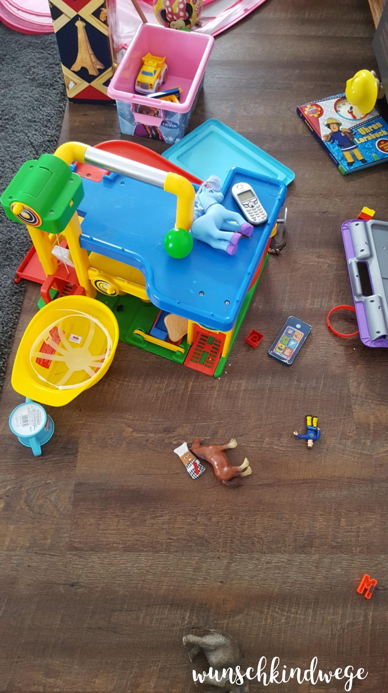 Spielzeug Fussboden