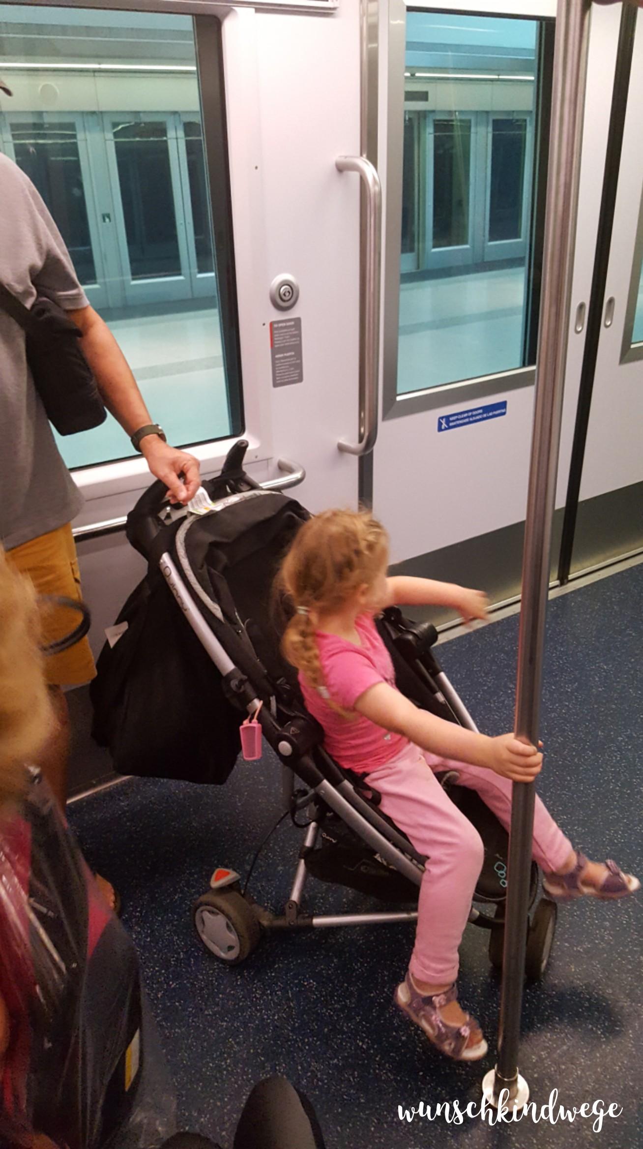 Florida mit Kindern: Fahrt im MIA Mover