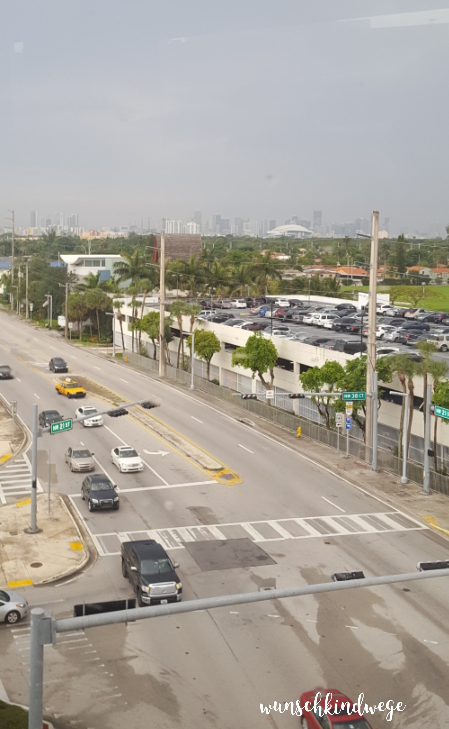 Florida mit Kindern: Miami Skyline aus dem MIA Mover