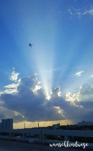 Florida mit Kindern Reisetagebuch Flugzeug Sonne Himmel