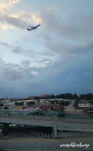 Florida mit Kindern Reisetagebuch Flugzeug Sonnenuntergang