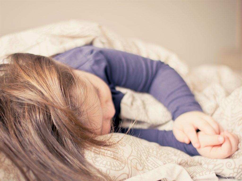 Einschlafbegleitung: Schlafendes Kind