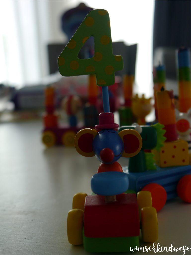 Geschenkideen zum 4. Geburtstag: Zahlenzug
