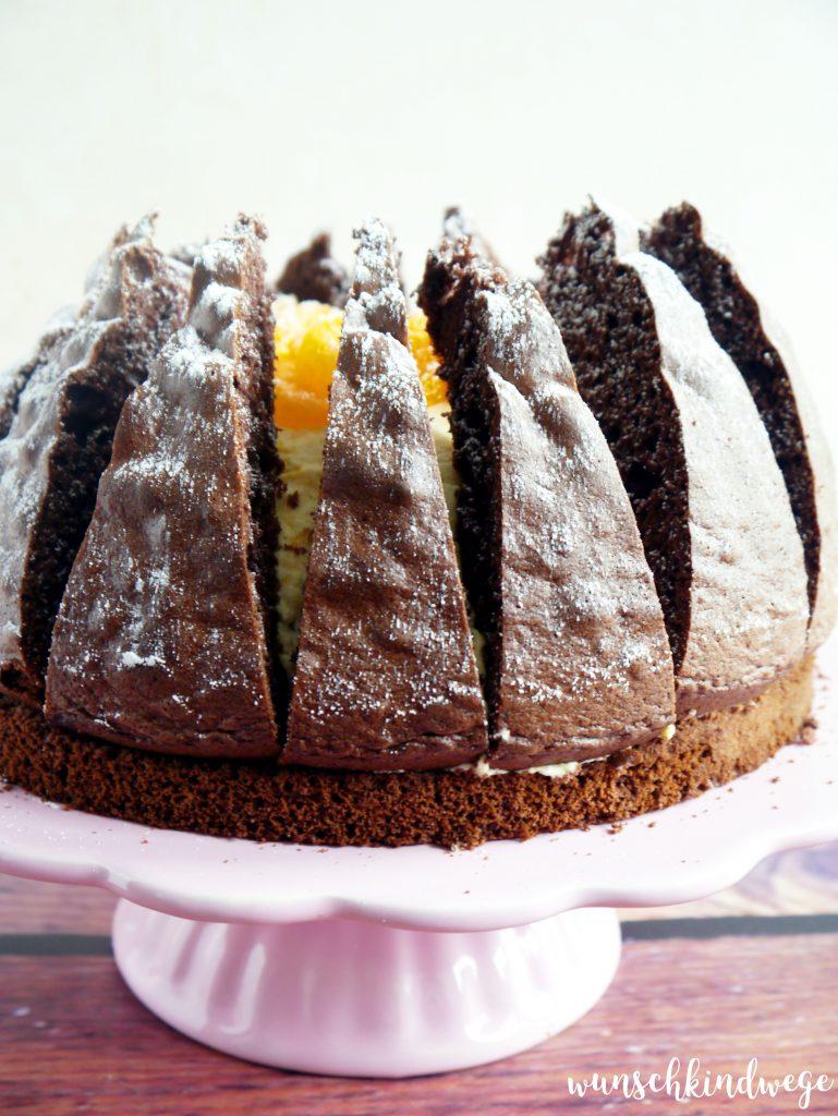 Vulkan Torte Schokoladentorte Mit Mandarinen Und Sahne