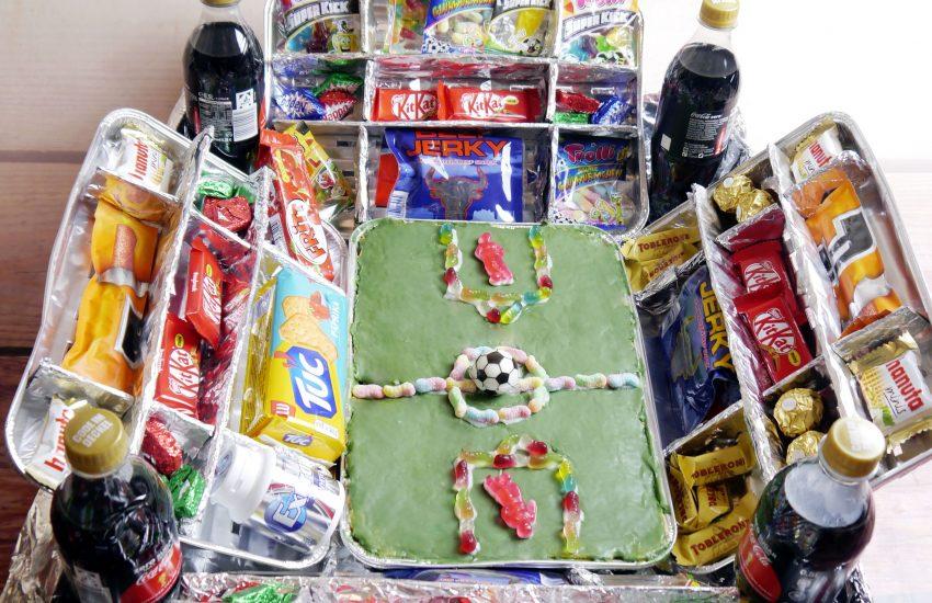 DIY Fussballstadion befüllt
