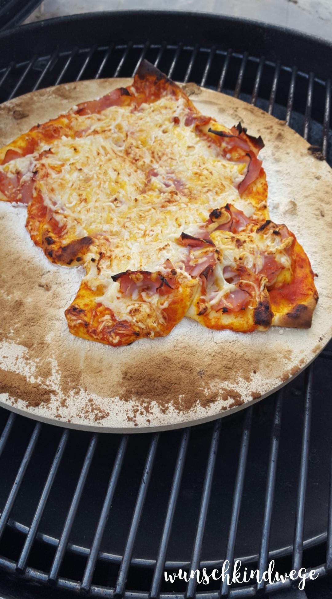 Pfingstwochenende in Bildern: gegrillte Pizza