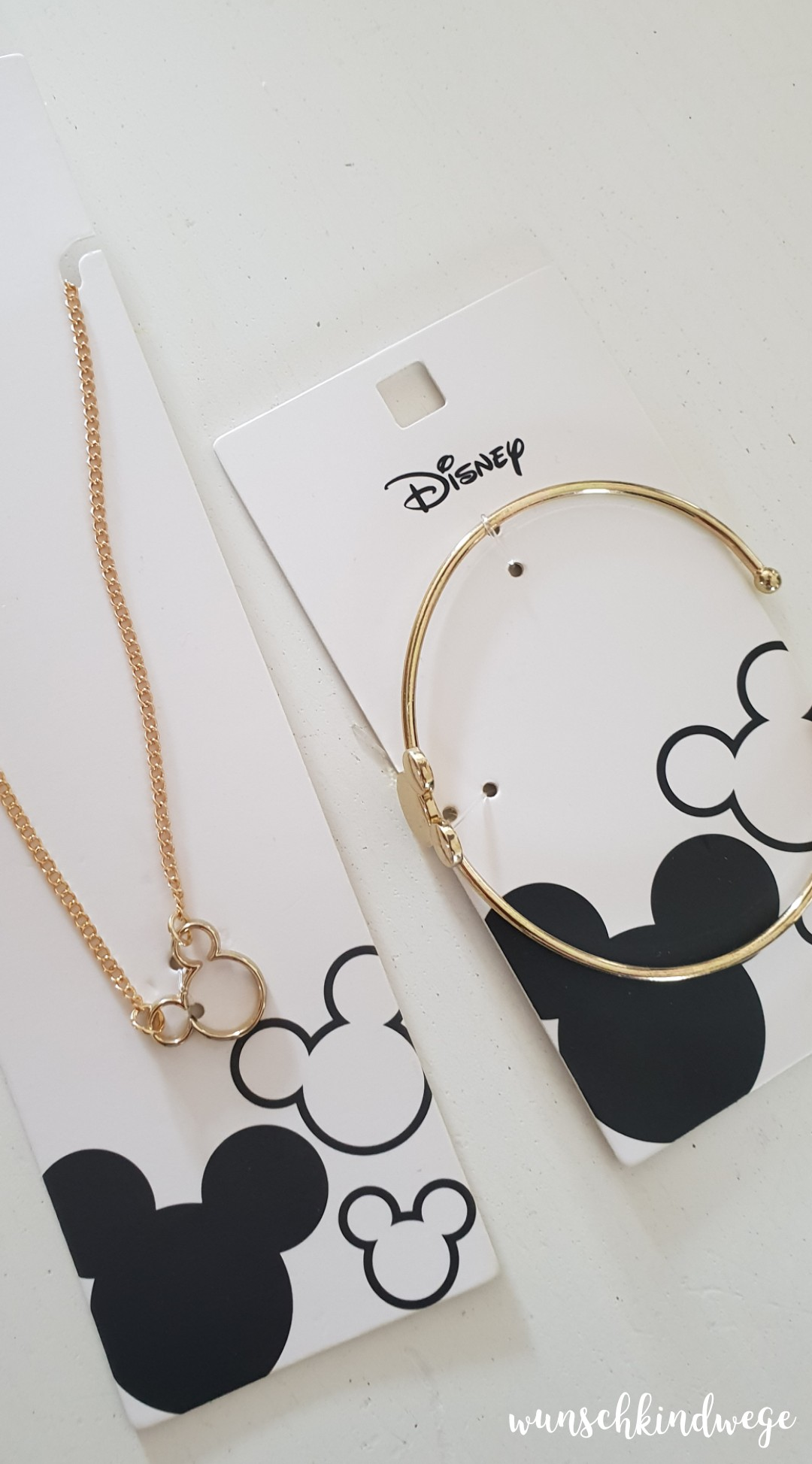 12 von 12 Disney Armband