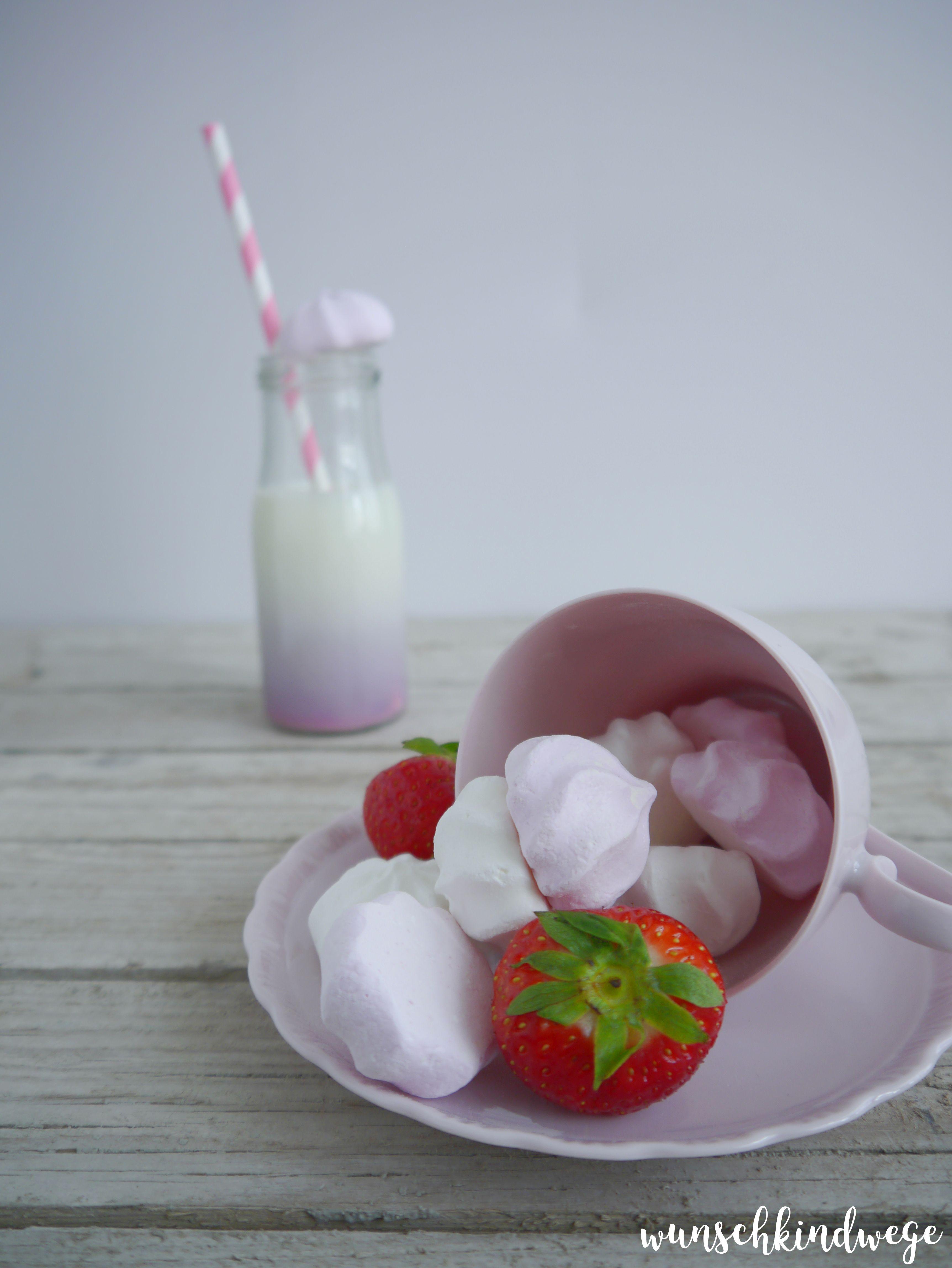 Erdbeerkuchen Erdbeeren mit Baiser