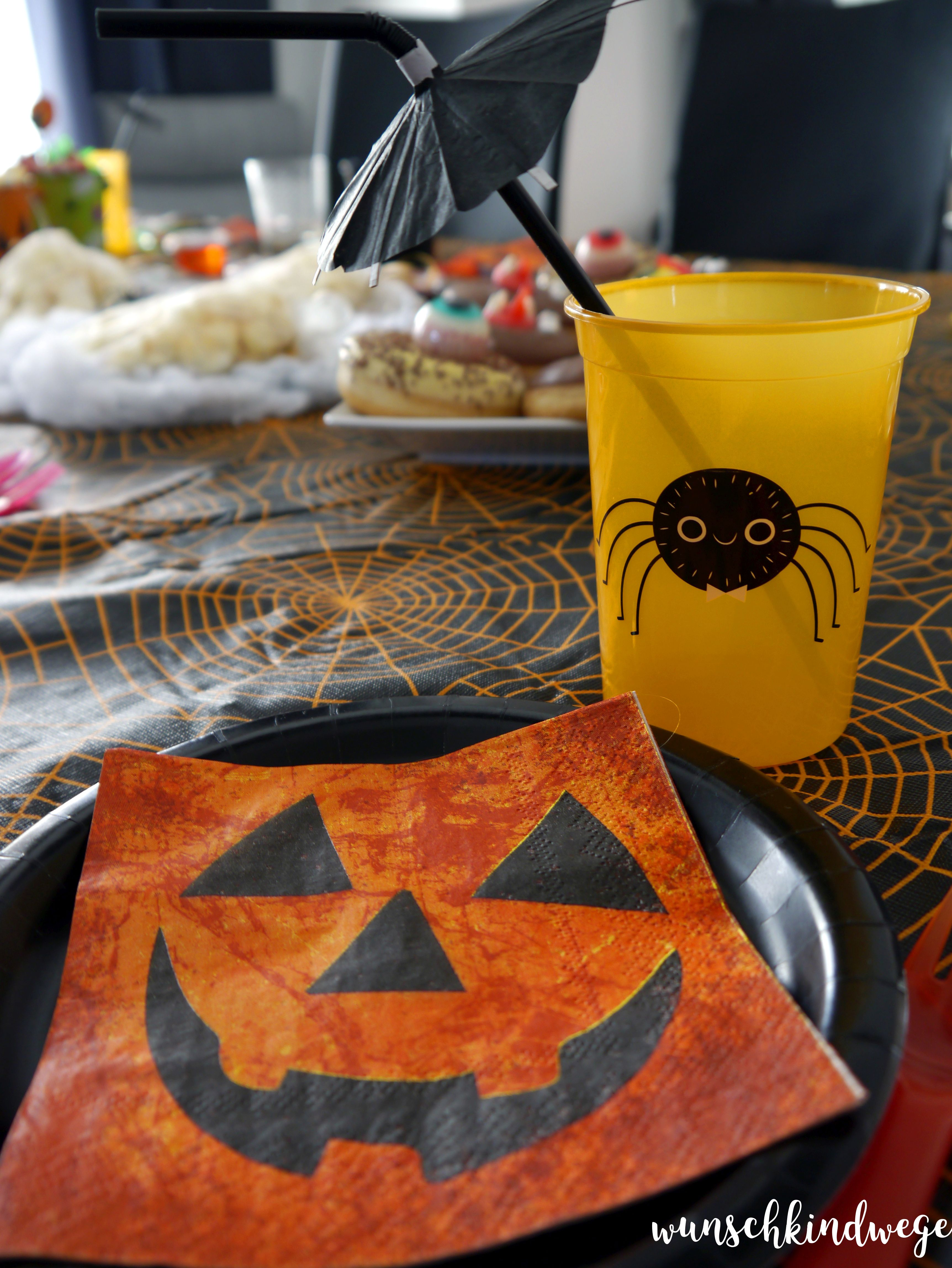 Halloweenparty Tisch