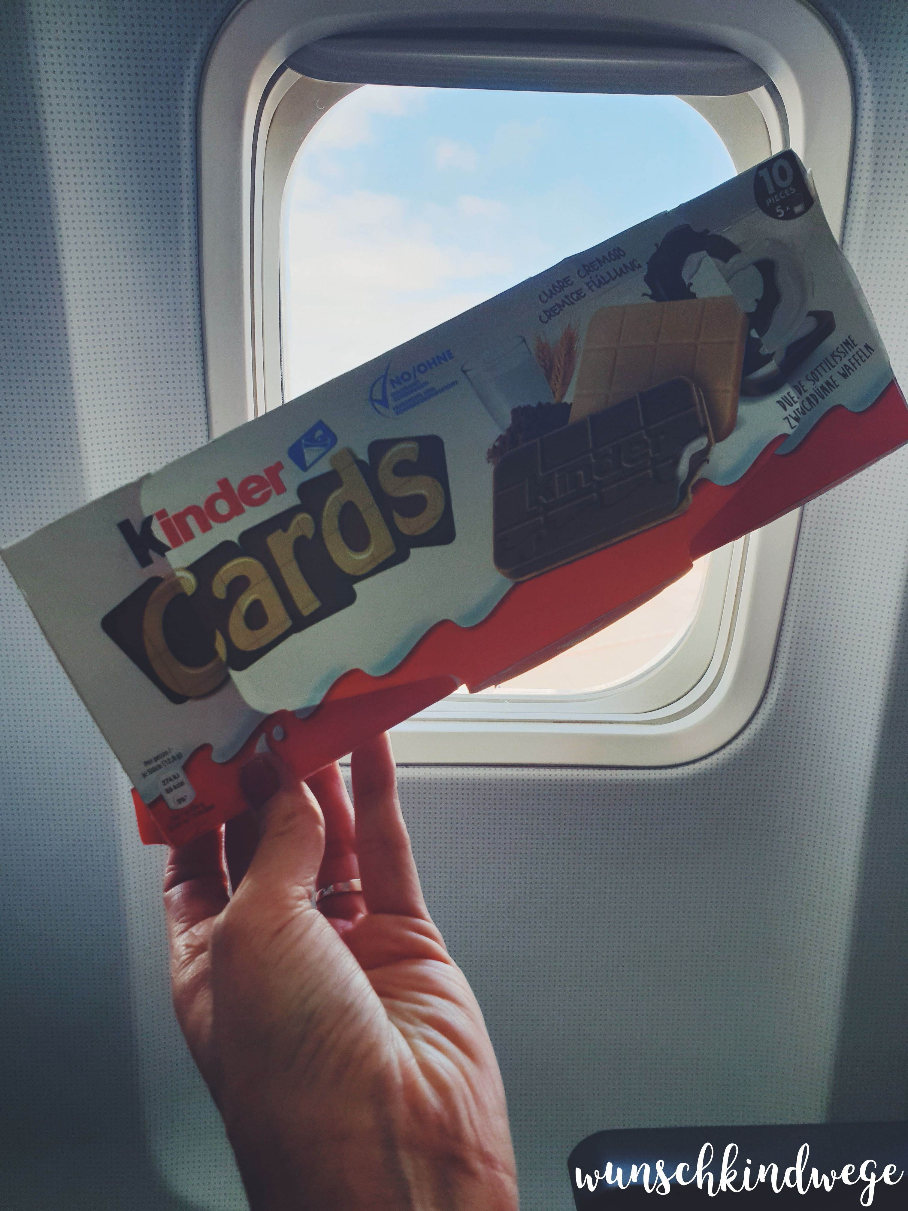 kinder Cards im Flugzeug