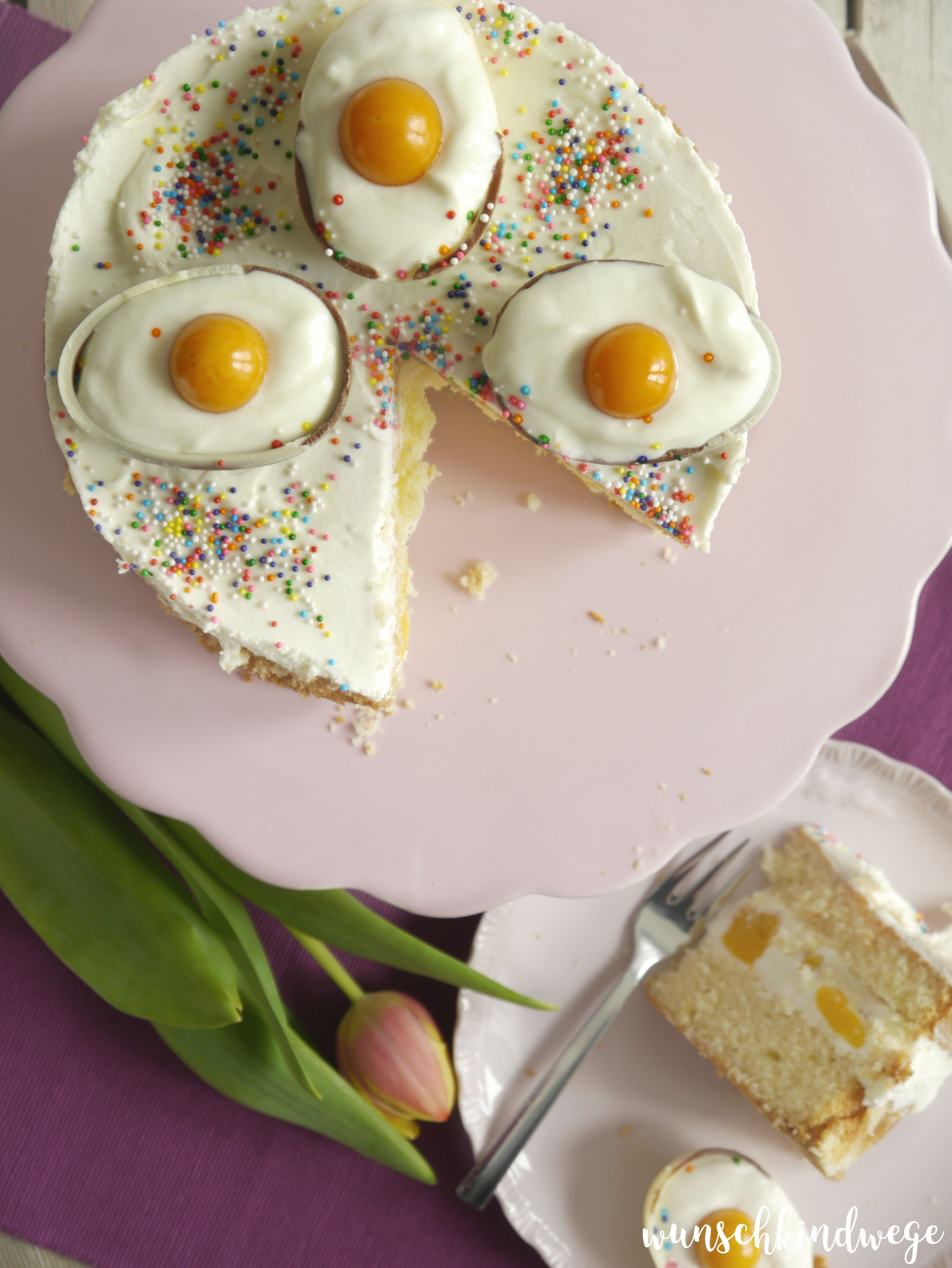 Osterei-Torte Flatlay Physalis