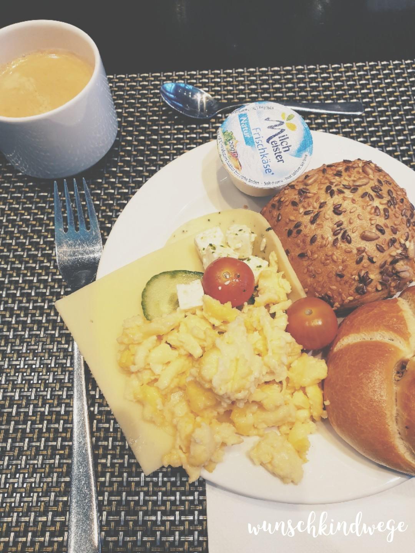 12 von 12 - Hotelfrühstück
