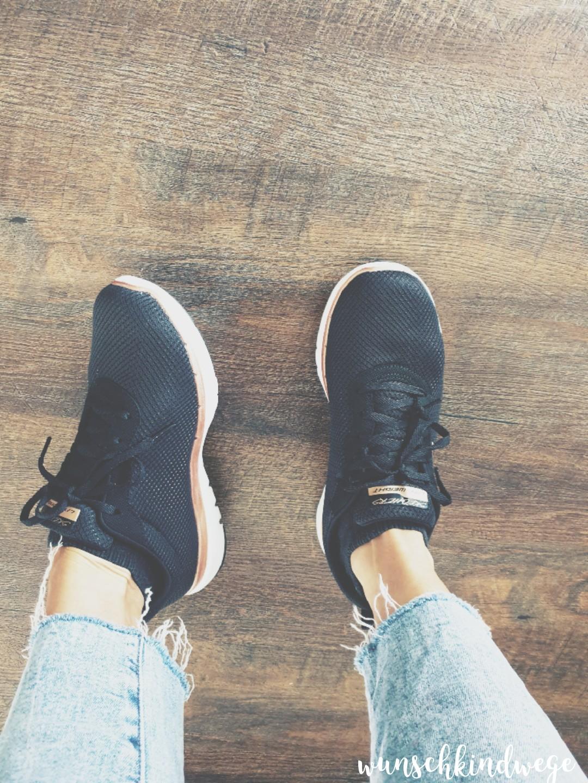 neue Sneaker schwarz rosegold