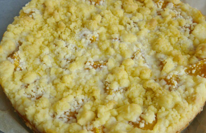 Pfirsich Pudding Streuselkuchen