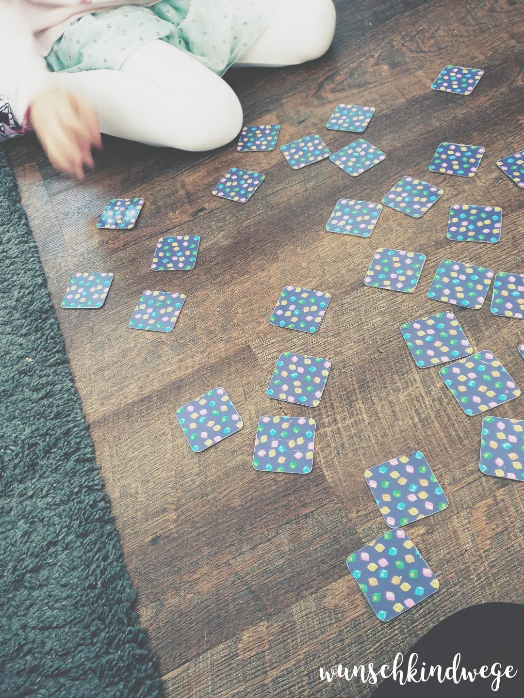 Memory spielen mit Kindern