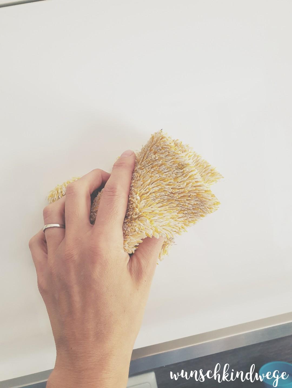 Küchenschrank putzen