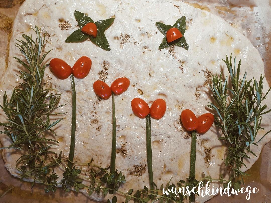 Garten Focaccia Kräuter Tomaten