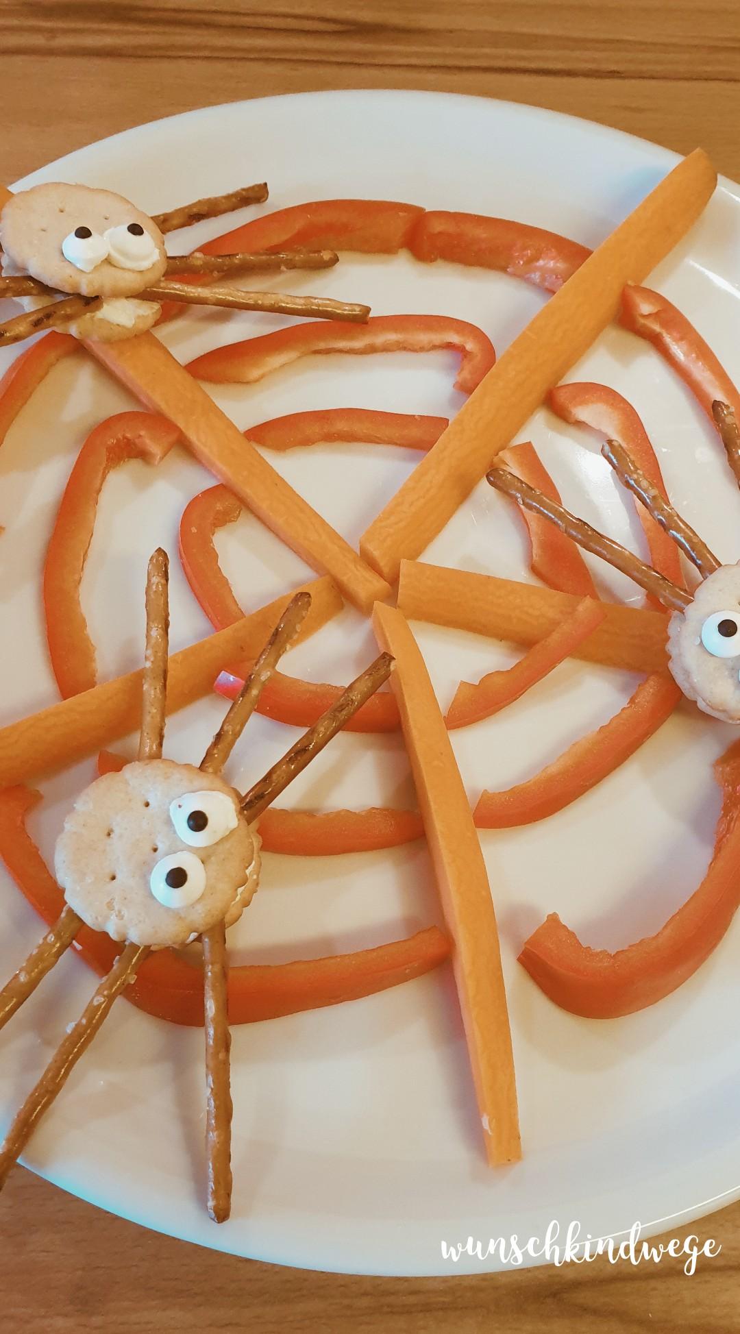 1 von 12 Spinnencracker